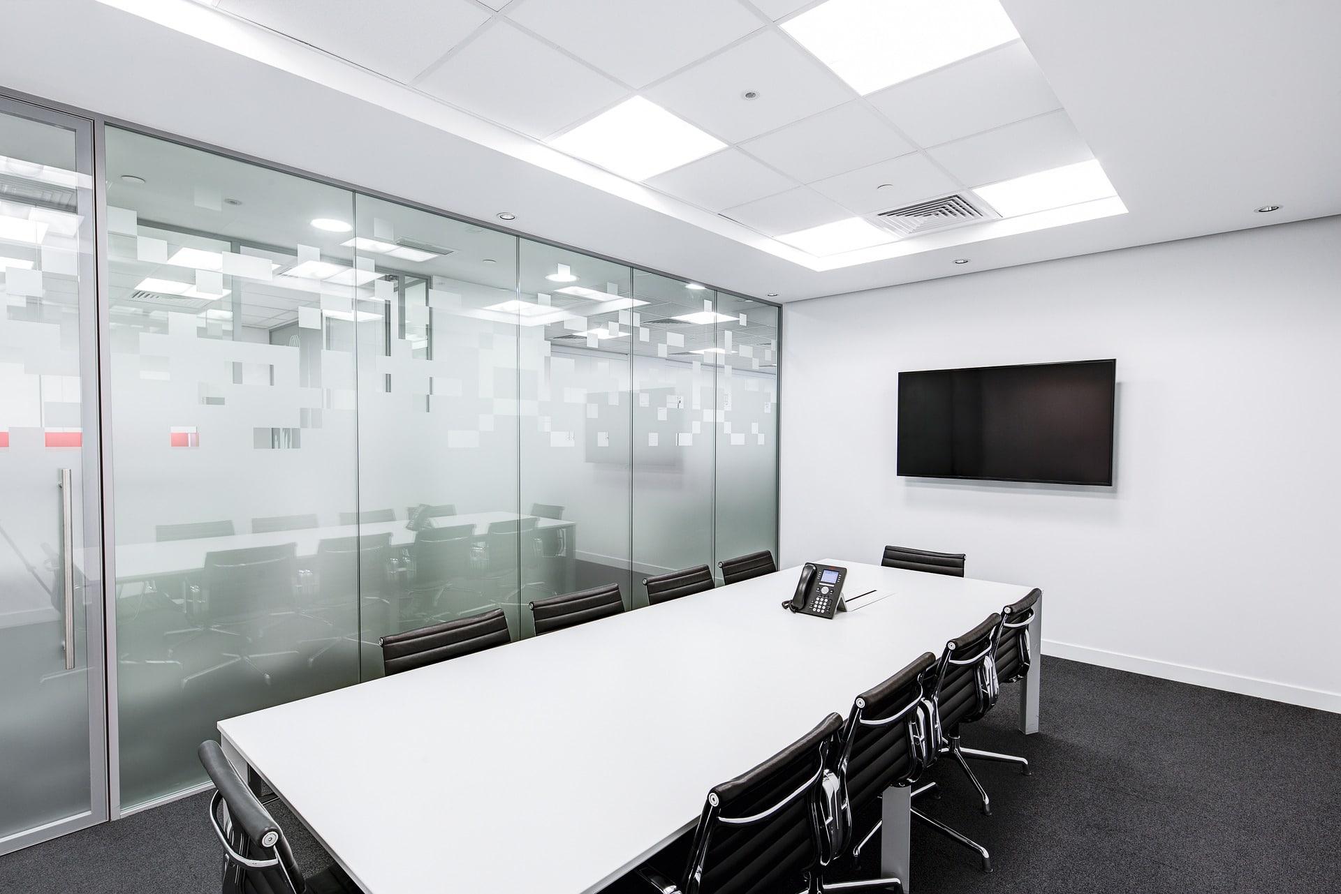 Mesa de reuniones a medida para oficina