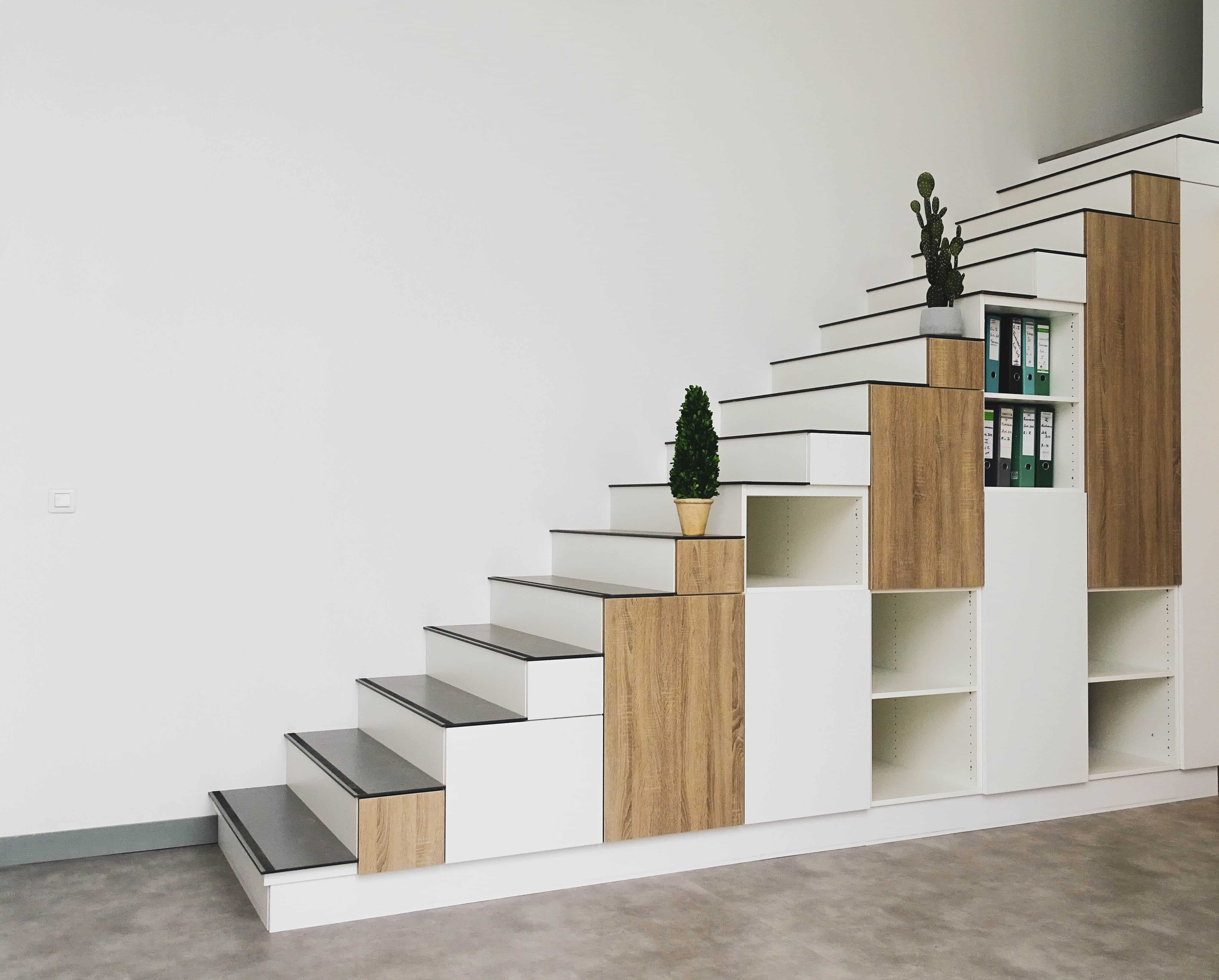 Arreglo personalizado de muebles de escalera