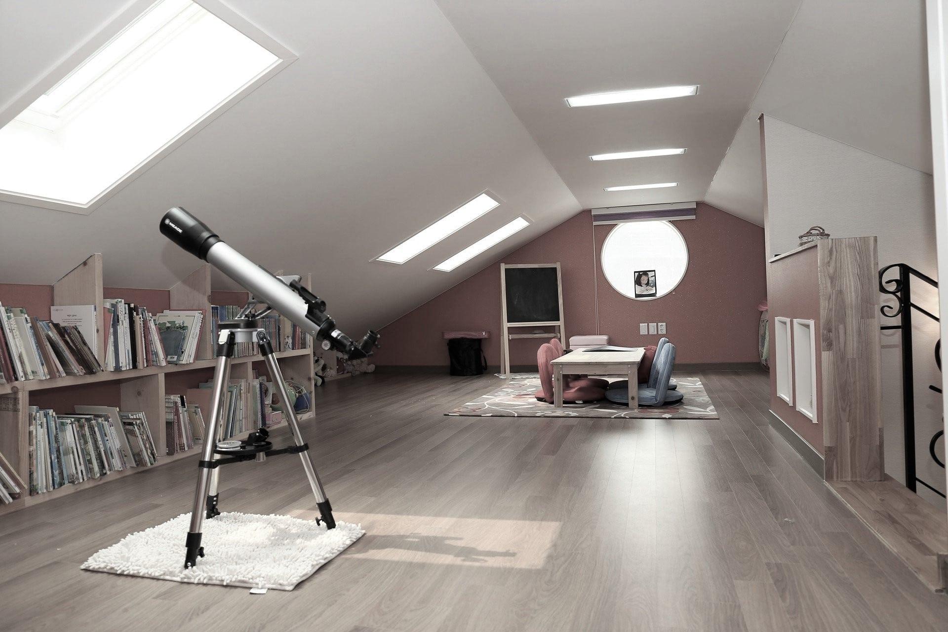 Mueble bajo techo a medida